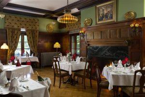 Formal dining at the Mercersburg Inn