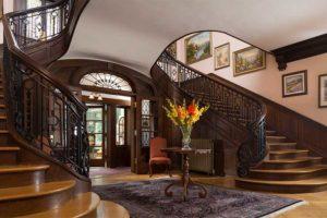 Staircase at the Mercersburg Inn