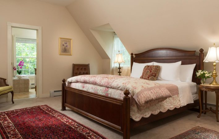 The bedroom in Carriage House North at the Mercersburg Inn