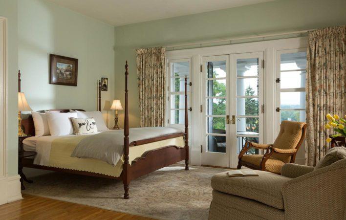 The bedroom in Dressing Room at the Mercersburg Inn