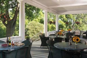 The common porch at Mercersburg Inn
