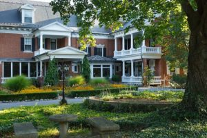 The gardens of Mercersburg Inn