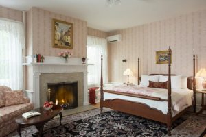The Marie Claire Room at the Mercersburg Inn