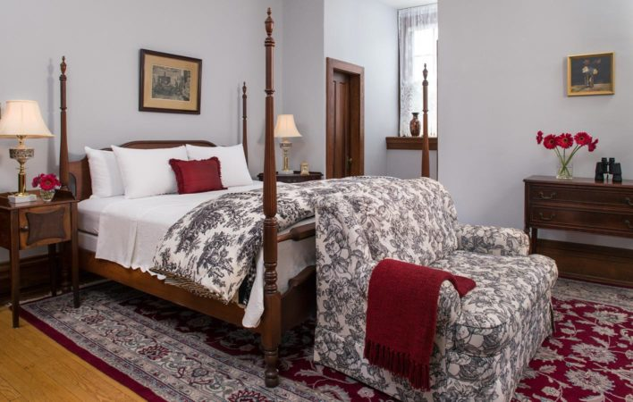 The bedroom in Vaughn's Room at the Mercersburg Inn
