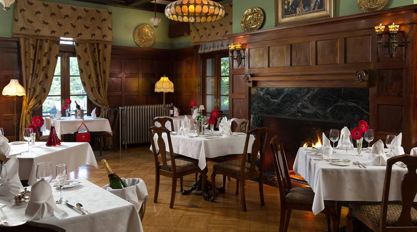 Formal dining at the Mercersburg Inn
