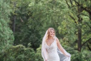 Wedding on the beautiful lawn at the Mercersburg Inn