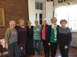 Midweek Quilting members with Carol Gibson-Weik and her students
