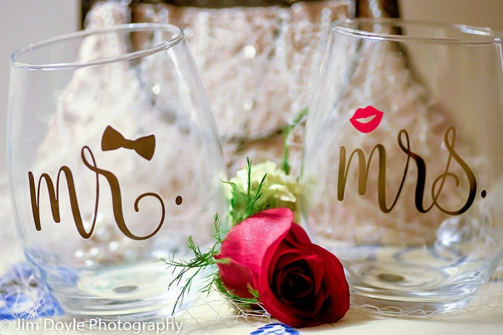 Pennsylvania wedding photography Mr & Mrs glasses